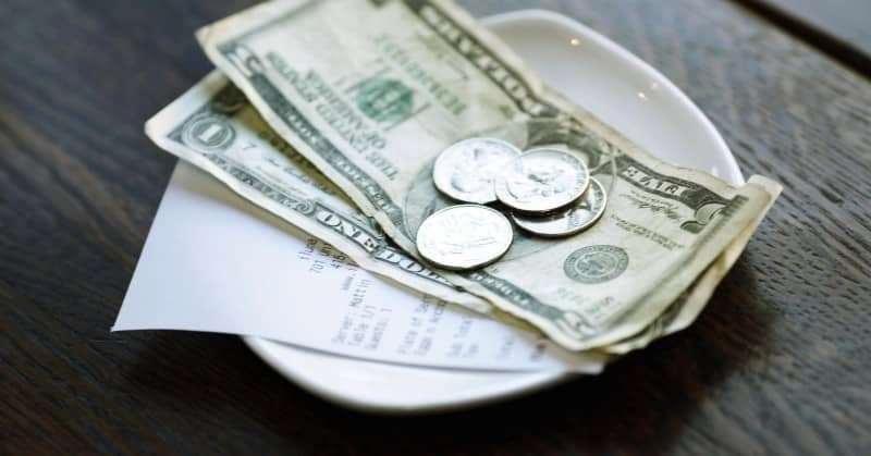Văn hóa tiền tip khi đi du lịch nước ngoài