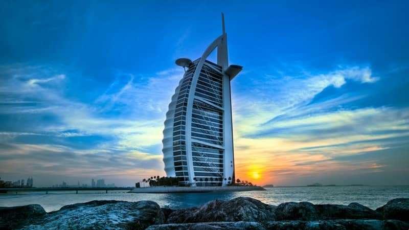 Choáng ngợp với độ xa hoa của khách sạn 7 sao ở Dubai