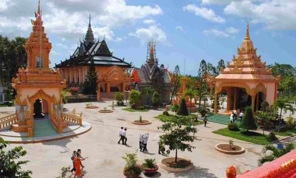 Hành hương viếng cảnh chùa miền Tây