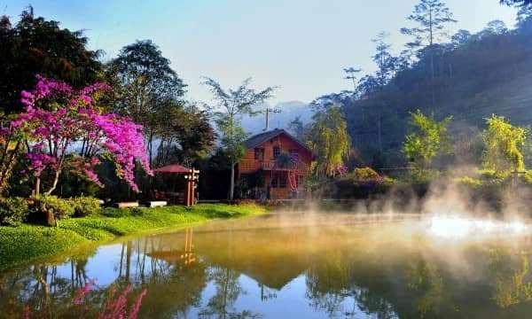 Top 10 địa điểm du lịch nổi tiếng nhất ở Đà Lạt.