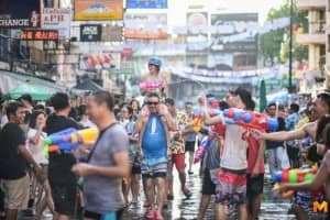 Chơi thả ga tại lễ hội té nước Songkran Thái Lan 2019
