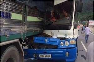 Bảo Lộc: Chi tiết vụ tài xế xe tải liều mình cứu xe khách