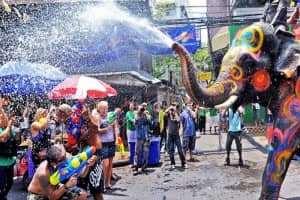Lễ hội té nước Songkran Thái Lan bị hạn chế