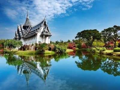 Khi du lịch Thái Lan nên đi theo tour hay đi tự túc?