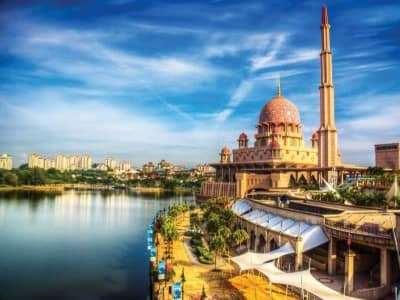 Điểm danh 12 địa điểm không thể bỏ qua khi tới Malaysia